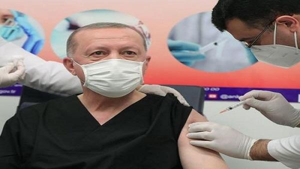 터키, 중국산 코로나19 백신 2차 접종 시작